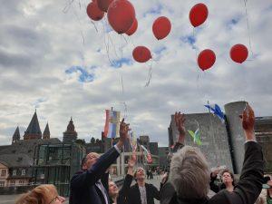 Luftballons vor Mainzer Himmel